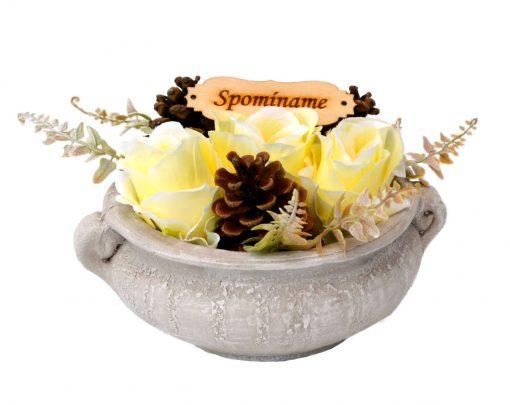 Aranžmán Spomíname 4 ruže a šišky Ø25cm 0,7kg bledo-žltý